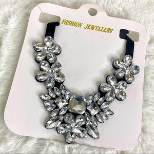 3/$25 Gorgeous! Crystal Statement Necklace